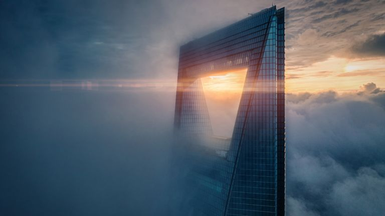 At 4:30 in the morning, mysteriously shrouded in clouds, this is what the second tallest building in Shanghai looks like