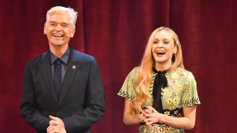 Phillip Schofield (L) and Fearne Cotton at the annual Prince's Trust Awards in 2019